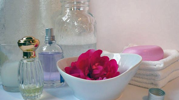 For your health's sake (and your budget too!), please read this:  Seven Natural Homemade Substitues for Conventional Beauty Products.: Essential Oil, Skin Care, Homemade Bath, Natural Beautiful, Skin Cream, Homemade Body Scrubs, Body Care, Diy Beautiful, Beautiful Products