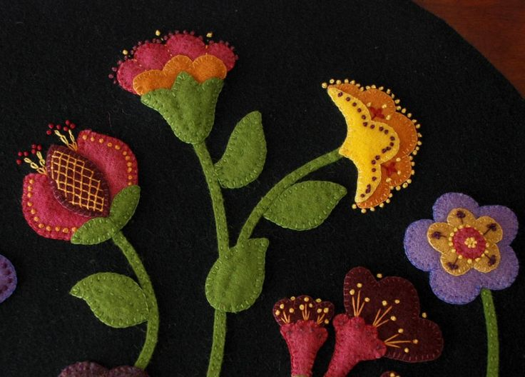 wool applique patterns and kits by Karen Hahn at horseandbuggycountry