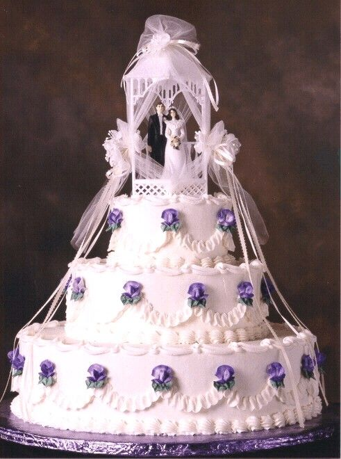 """images of wedding cakes with gazebo topper 