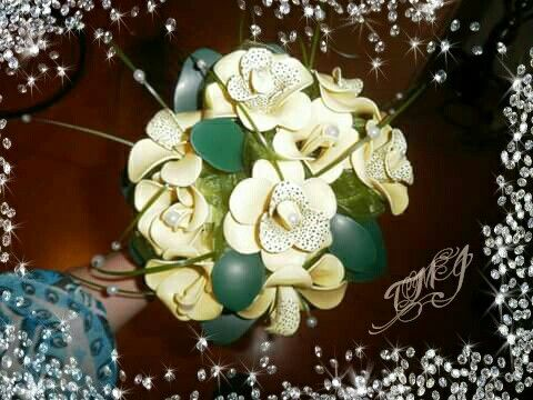 Ivory balloon fantasy flower bouquet by TMJcreative.