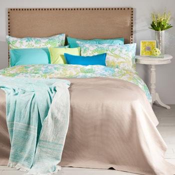 les 25 meilleures id es de la cat gorie couvre lit turquoise sur pinterest literie lumineuse. Black Bedroom Furniture Sets. Home Design Ideas