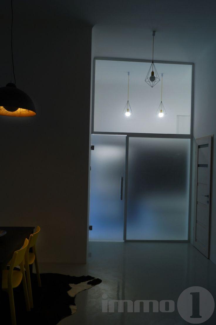 Eladó   Grill teraszos,  fiatalos,  galériás felújított  tégla lakás a  Keleti pályaudvartól pár perc sétára.