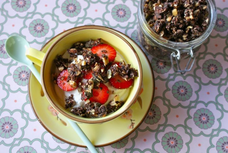 Choco-coated low carb müsli - Low Carb Livsstil
