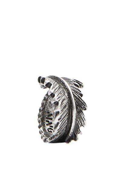 MANGO - Ring in Blattform