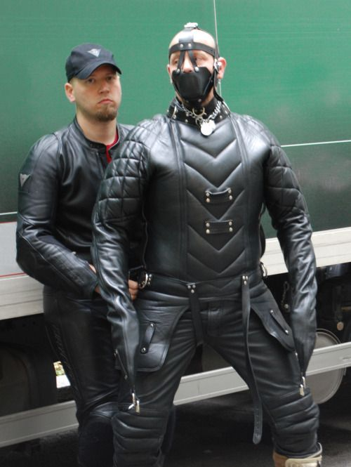 39 best Leather images on Pinterest | Latex, Gay and Hot guys