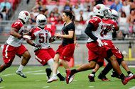 Buccaneers Offer Women a Modern N.F.L. Lesson Out of the '50s - NYTimes.com