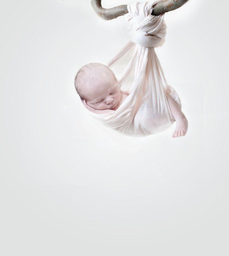 Cute newborn picture idea (by Carmen Ruiz)