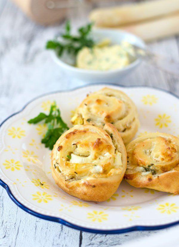fluffige Spargelschnecken mit Zitronenbutter. Einfach gemacht und einfach nur gut! Recipe also in english!