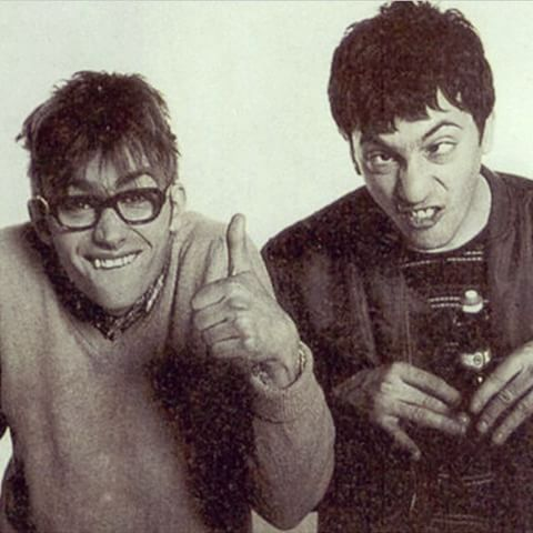 Damon and Graham being silly #damonalbarn #grahamcoxon #blur #band #britpop #rock #indie #punk