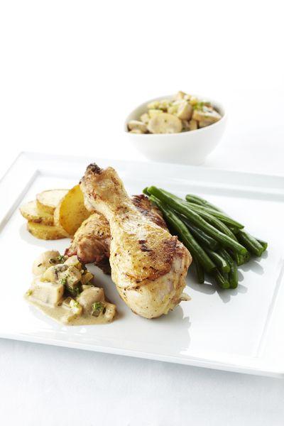 Een overheerlijke kip en champignons in geuzebier, die maak je met dit recept. Smakelijk!