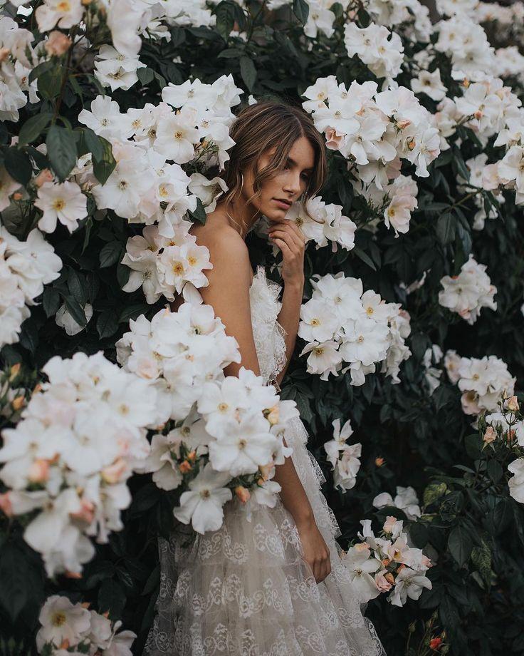 Inspiration Frühling Porträt Fotografie. Kreative Low Budget Fotos mit Blumen und blühender Natur. #Fotografie #Porträt #Porträtfotografie #Früh…