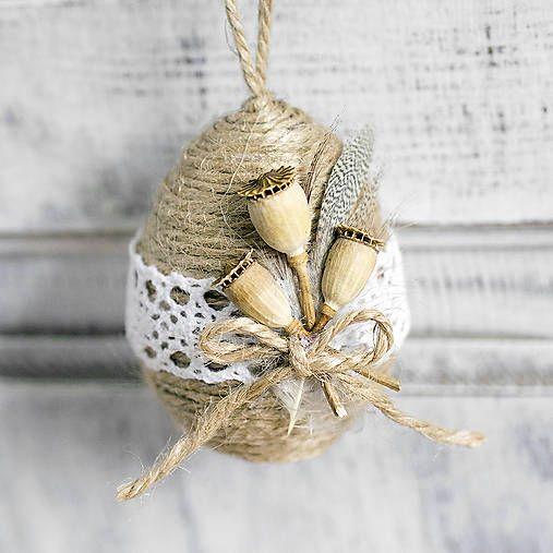 Easter egg, natur, vintage  http://www.sashe.sk/Pipistrela/detail/velkonocne-vajicko-s-makovickami
