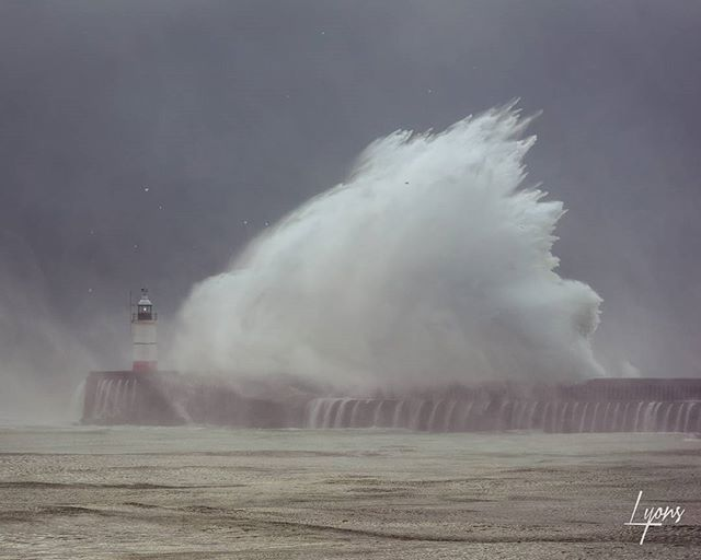 Newhaven storm.... From the archives long trip but was certainly a great day and a spectacular one!  Fingers crossed for some more winter storms that I can go after.  #storm #NewHaven #waves #lighthouse #stormchasing #spectacular #weather