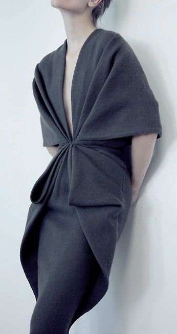 Yes! That's what I love to see. Something new! Minimalistic and simple. Great drape.