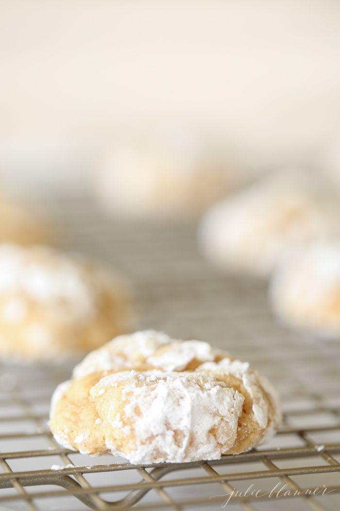Pumpkin Gooey Butter Cookies - Easy pumpkin and cream cheese cookies