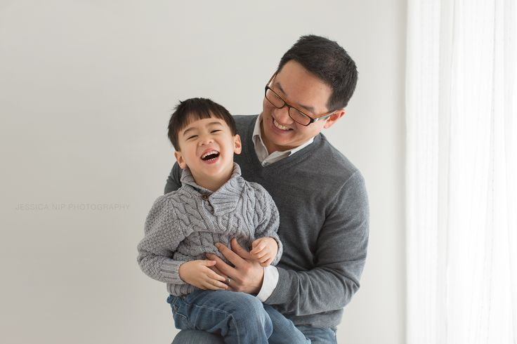 Tickles with dad | Toronto family photographer | www.jessicanip.com | Jessica Nip Photography