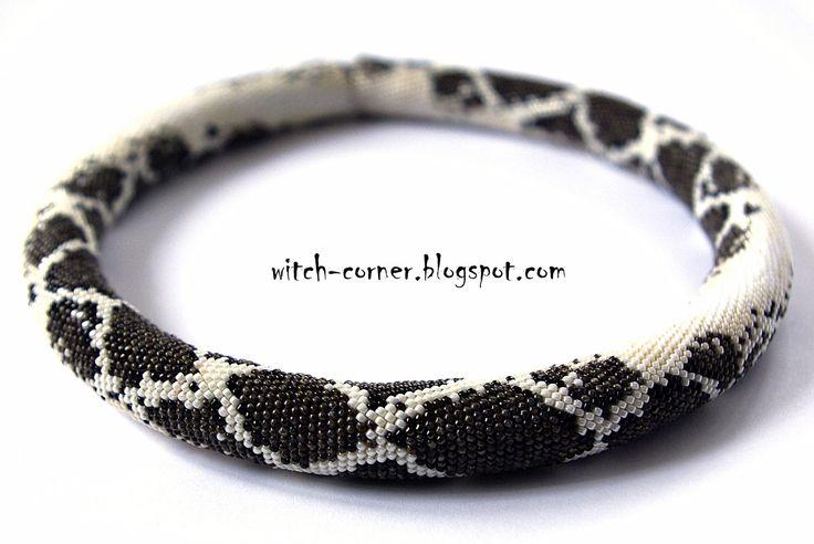 Zakątek Wiedźmy: Python molurus, czyli pyton tygrysi