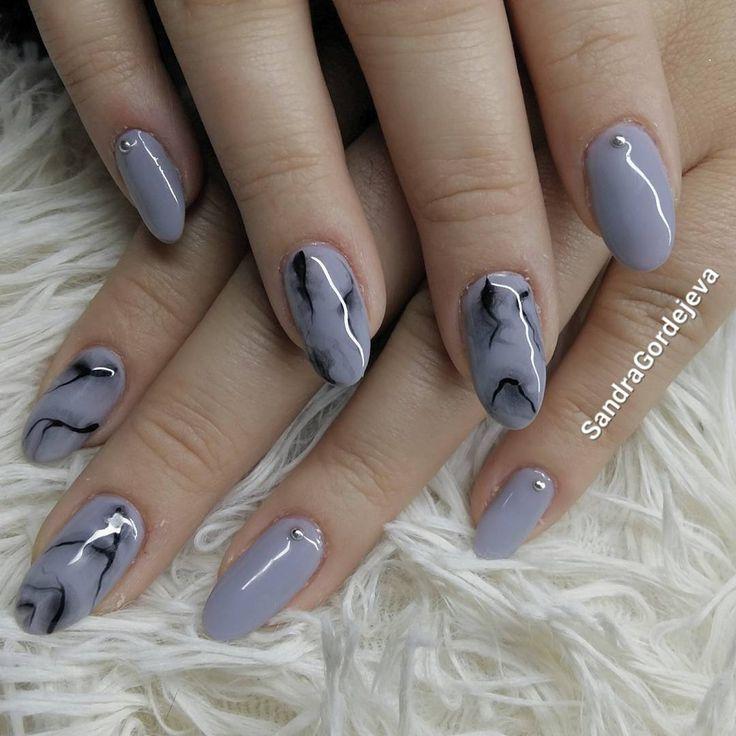 gel nails, grey nails, marbel nails, silver decoration