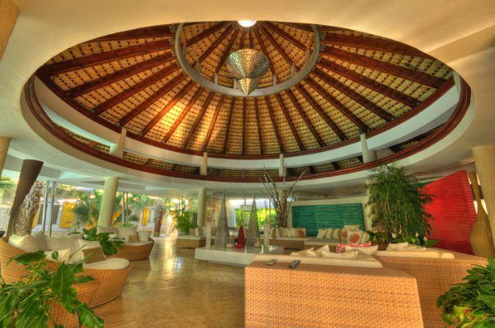 6 Bedroom Villa in Teeth of the Dog Golf Course - Villa Rentals,
