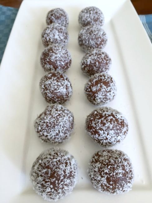 choc peppermint bliss balls
