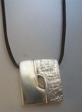 talismanes amuletos y símbolos | colgante kin maya sello enlace de mundos Cimi
