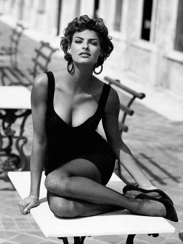 Linda Evangelista has to be one of my favorite model's of all time!