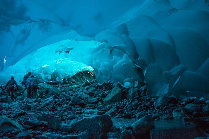 Les grottes du glacier Mendenhall à Juneau en Alaska aux États-Unis
