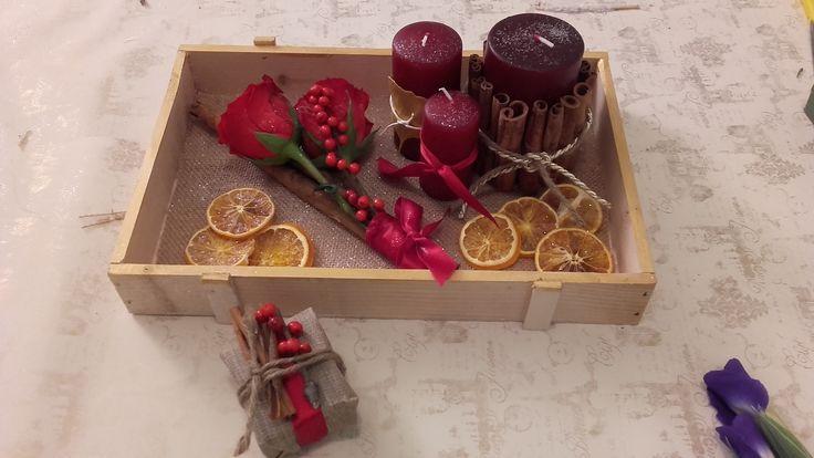Centrotavola e segnaposto rustici per Natale realizzati durante il corso DIY dedicato alle feste