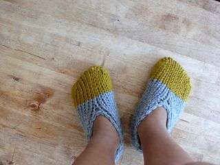 Knitting - Thank you for the free Pattern Zuri Scrivens - Three different sizes, Adult, Baby and Toddler_slippers_4_small2