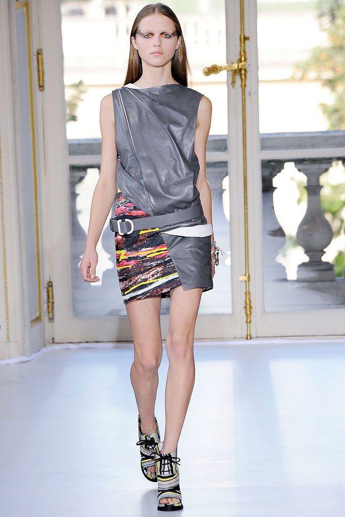 Balenciaga Spring 2010 Ready-to-Wear Collection Photos - Vogue