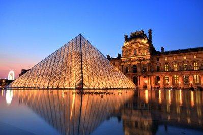 フランスの世界遺産として名高いモン・サン・ミッシェル。この世界遺産があるノルマンディー地方には、まだまだ多くの魅力が沢山あるのにもかかわらず、多くの方がパリから日帰りで訪れる方が多いのではないでしょうか。今回は、モン・サン=ミシェル以外のノルマンディー地方の魅力について紹介します。 モン・サン=ミシェルとは「