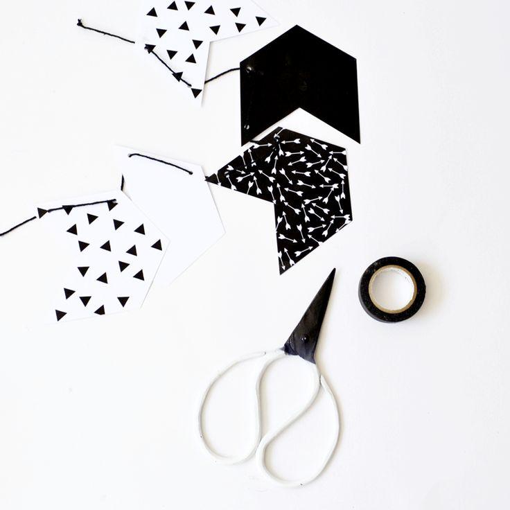 Printable black and white garland! #monochrome #black #white #triangle #diy