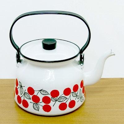 Finel Kirsikka teapot by Esteri Tomula