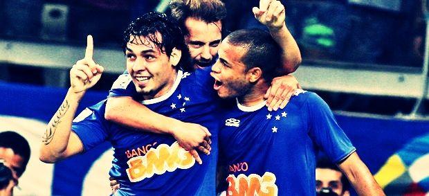 #FechadoComOCruzeiro • Ricardo Goulart, Everton Ribeiro and Mayke celebrating one of the goals for Cruzeiro 3-0 Real Garcilaso. April 9, 2014.