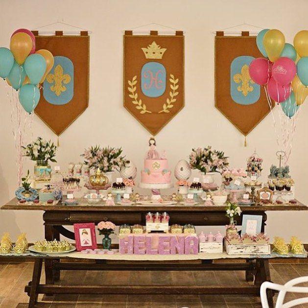 Uma festa linda de princesa! Por @festejarubt  #kikidsparty