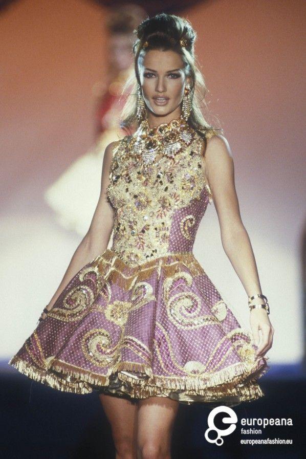 Karen Mulder- Gianni Versace, Spring-Summer 1992, Couture