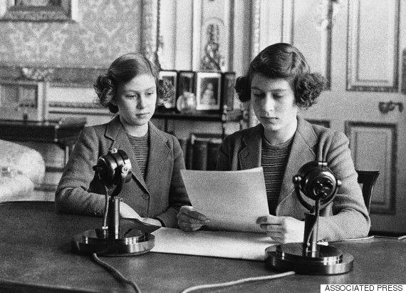 Il primo discorso della Regina Elisabetta, da adolescente: un messaggio di compassione per i piccoli migranti