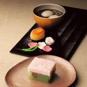 寿ぎの晴れの日にふさわしい伝統的な迎春菓子の詰め合わせ。【京都 迎春菓詰合せ】