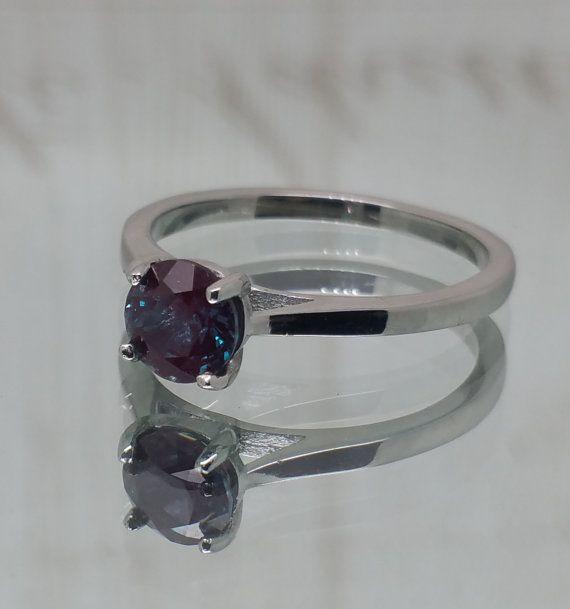 Natural 1ct Alejandrita anillo de titanio o de por TheAladdinsCave