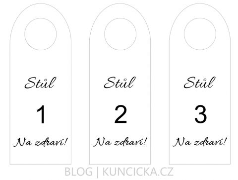 Číslovaní svatebních stolů díky štítkům na láhve