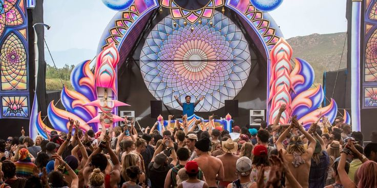 EARTHDANCE CAPE TOWN    When: September    The global, multi-city music and art festival takes place throughout the world on the same weekend, with the Cape Town edition being hosted by Good Time Events / Nano Records. Make sure you're on the dance floor for the Prayer for Peace, uniting Earthdance across the globe.