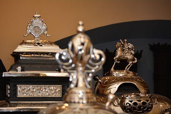 A hazai és európai öntöttvas-művesség kiemelkedő emlékanyagából, művészi öntöttvas-gyűjteményből nyílt kiállítás a váci Tragor Ignác Múzeumban.