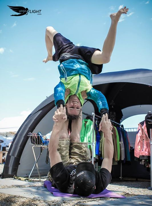 BE THE POSE yogaFLIGHT Contest yogaFLIGHT at Skydive Empuriabrava and Windoor during Vector Festival — with  Proflyer Skydiver sKY:: at Vector Festival.  Artwork by NBQ Pro artists. Joined by Yoga For Skydivers   #yogaflight #windoor #empuriabrava #vectorfest #skydivempuriabrava #Proflyer #skydiver #yogaforskydivers #contest #yoga #pose