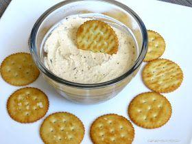 Seid Ihr auch ein Brot - Fan, einer der auch gerne mit Crackern dippt ? Wenn dieser Dip über Nacht im Kühlschrank ziehen kann, ist er noch i...
