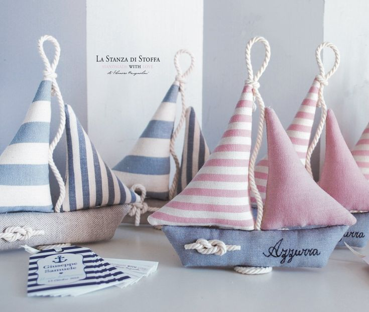 Photo of Favors sailing boats (with nautical knot, name and label)