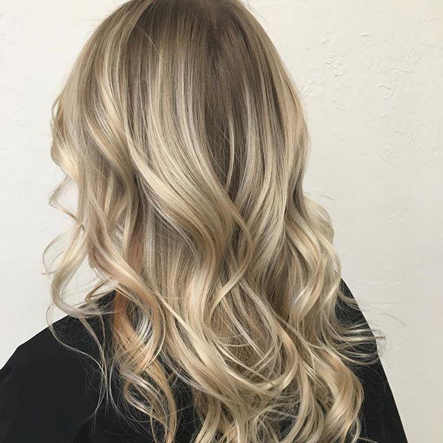 Blonde Balayage : Root Drag : Curls