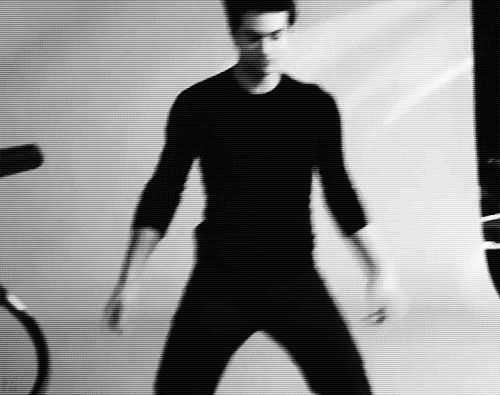 omg it's Dylan dancing!! <3