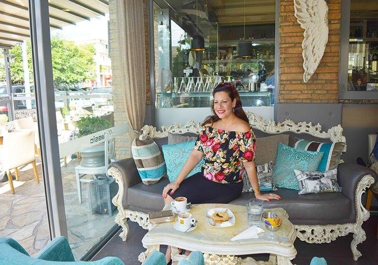 Florals in Fall in a beautiful coffee setting by My O.N.O Lifestyle!