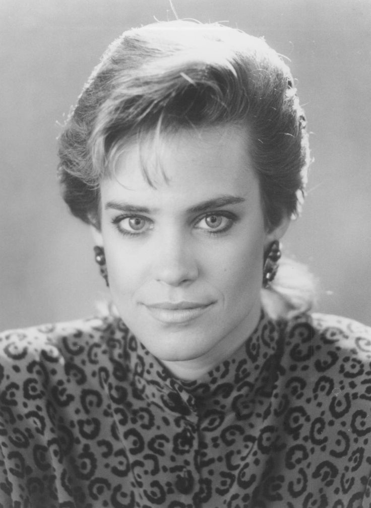 Still+of+Catherine+Mary+Stewart+in+Nightflyers+(1987)+http://www.movpins.com/dHQwMDkzNjI2/nightflyers-(1987)/still-3339881984