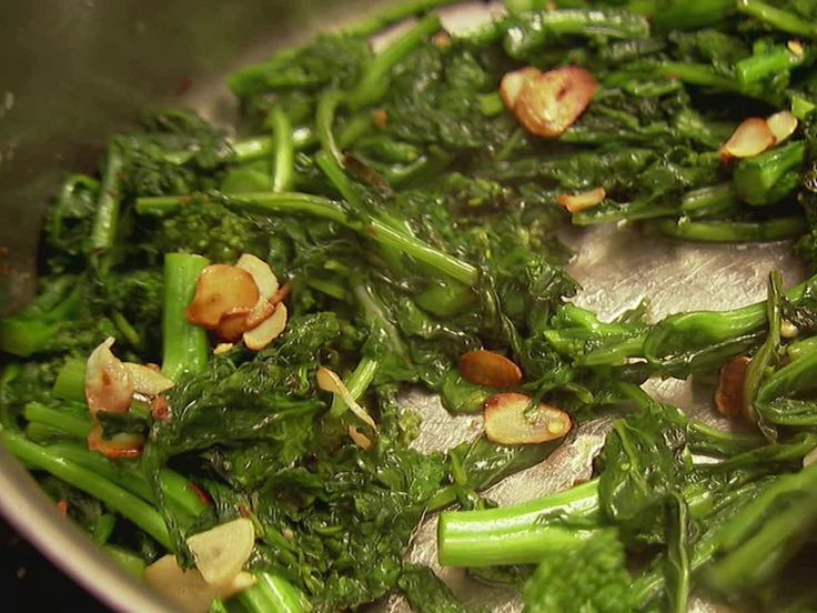 Broccoli  With Garlic from FoodNetwork.com (recipe for broccoli rabe but i used regular broccoli)